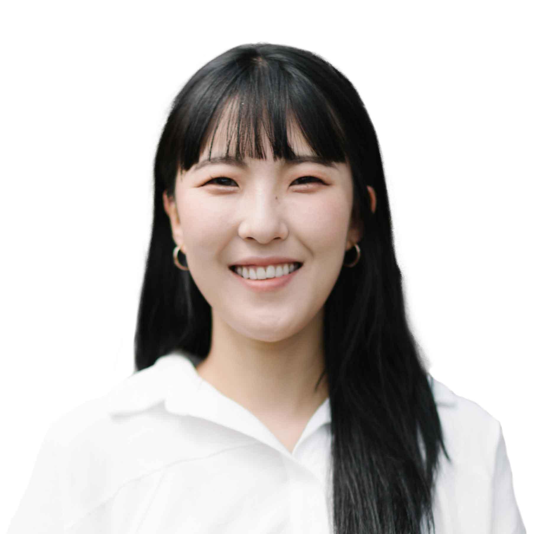 Aeryun Tran, Graphic Designer